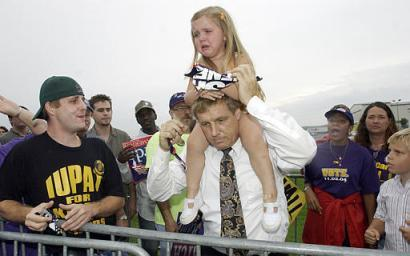 Girl whose sign was torn up by Kerry/Edwards supporters
